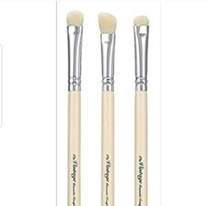 Other - NEW BRUSH SMOKEY EYE SET DETAILING EYE BRUSH
